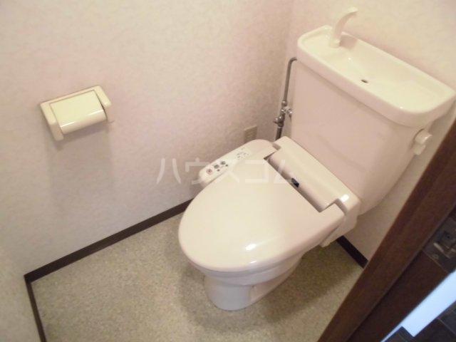 レジデンス・ラ・セーヌ 202号室のトイレ