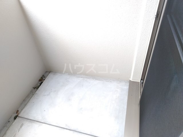 ベルビュー太秦 102号室のバルコニー