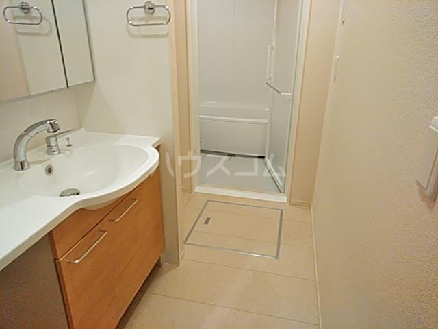 Bnext 嵯峨 101号室の洗面所