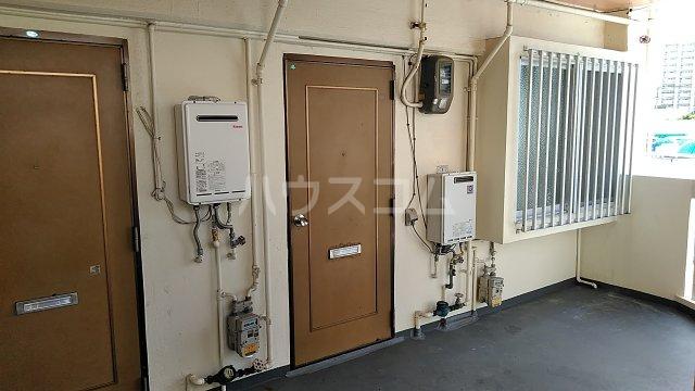 コーポ岡田 201号室のエントランス