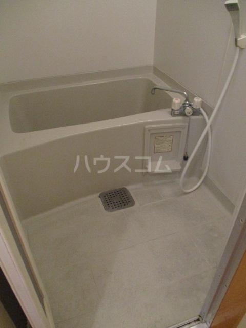 ジェミニパレス EAST 201号室の風呂