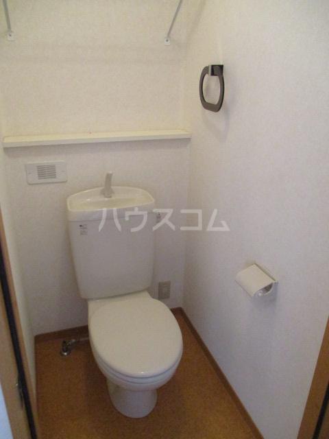 ジェミニパレス EAST 201号室のトイレ