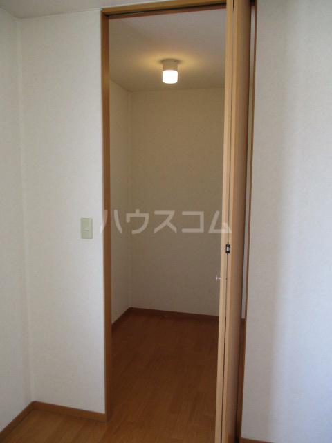 ジェミニパレス EAST 201号室の居室