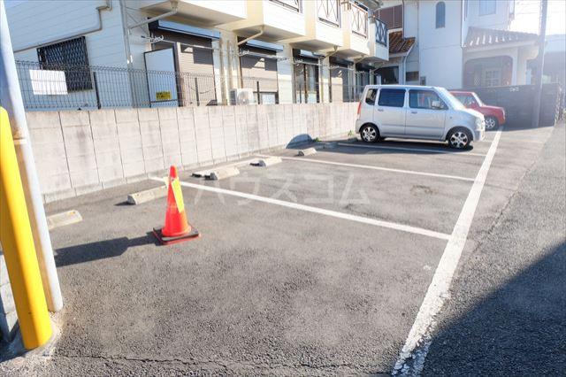 カルデアB棟 205号室の駐車場