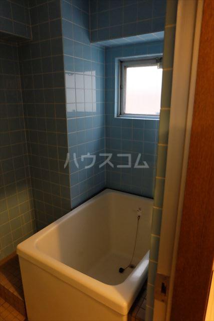 メゾンタカキュー 302号室の風呂