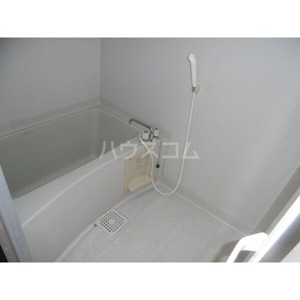 メゾンキャロット 202号室の風呂