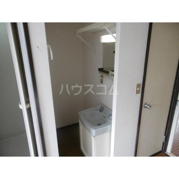 メゾンキャロット 202号室の洗面所