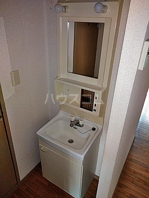 リリックハイツ駅南 203号室の洗面所