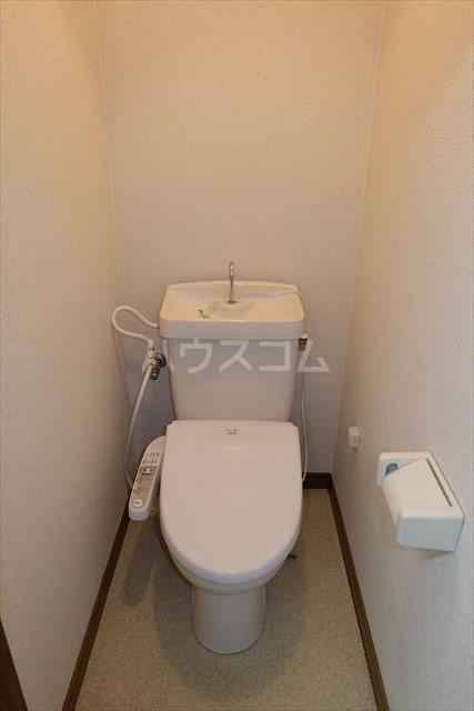 本郷ハイツ A 206号室のトイレ