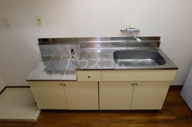 本郷ハイツ A 206号室のキッチン