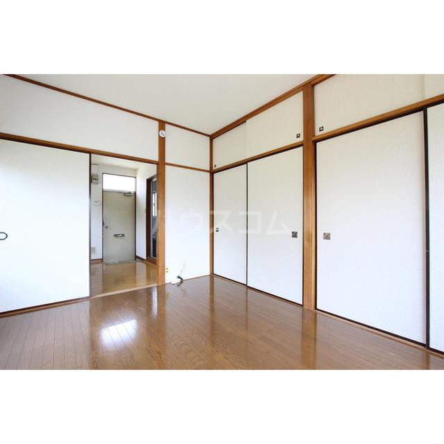 今井ハイツC棟 205号室の居室