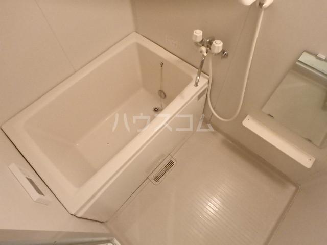 フローレンス志免 203号室の風呂