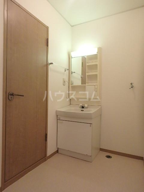 フローレンス志免 203号室の洗面所