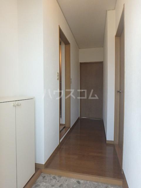 フローレンス志免 203号室の玄関