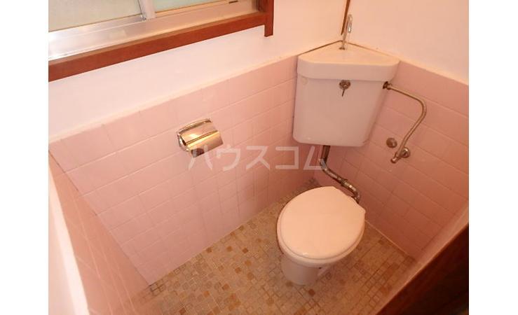 満荘 101号室のトイレ