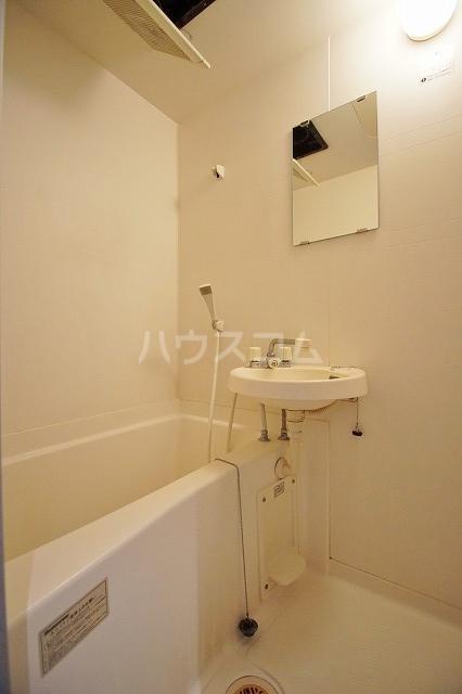 レキシントンスクエア駅南 802号室の洗面所