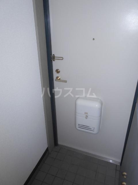 PLEAST美野島 403号室の玄関