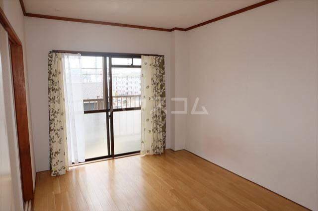 スターハイツⅠ 105号室の居室