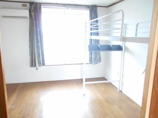 ハイツみずほ 202号室の居室