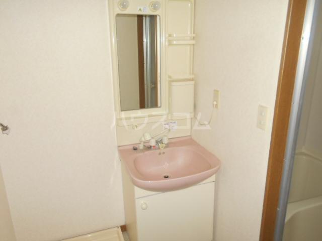 エール1 203号室の洗面所