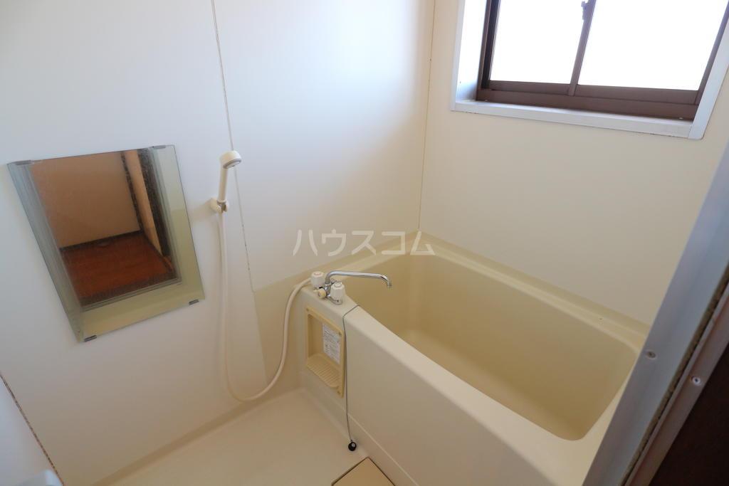 シャレル戸谷塚C 7号室の風呂