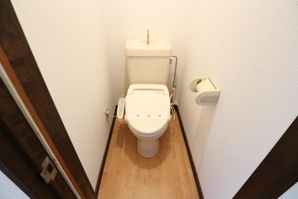 シャレル戸谷塚C 7号室のトイレ