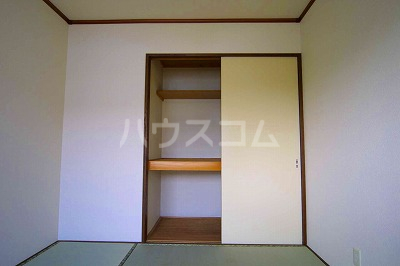 シャレル戸谷塚C 7号室の収納