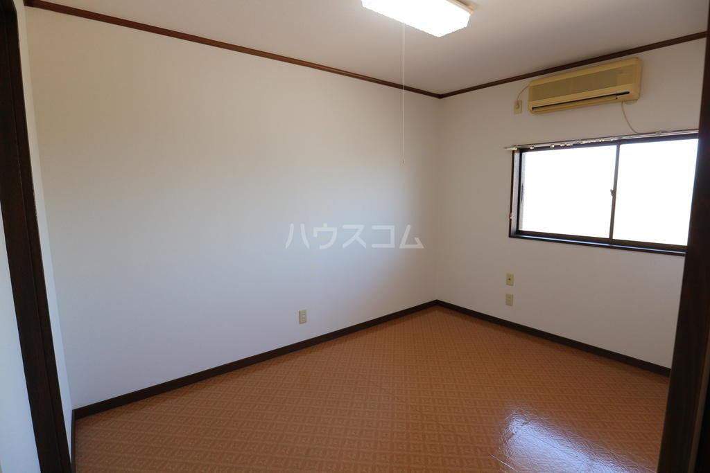 シャレル戸谷塚C 7号室の居室