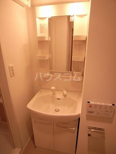サヴォイ博多ブールバール 705号室の洗面所