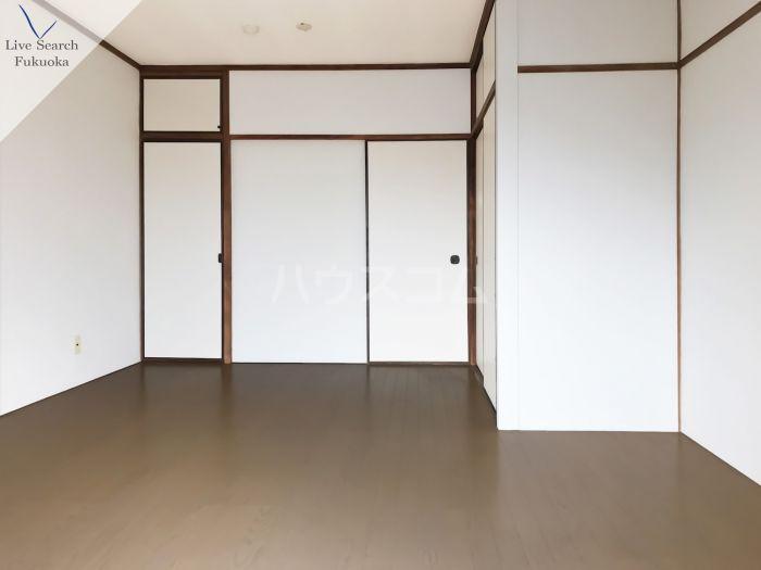 城西ビル 502号室の居室