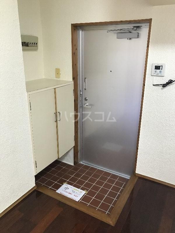 寿荘 101号室の玄関
