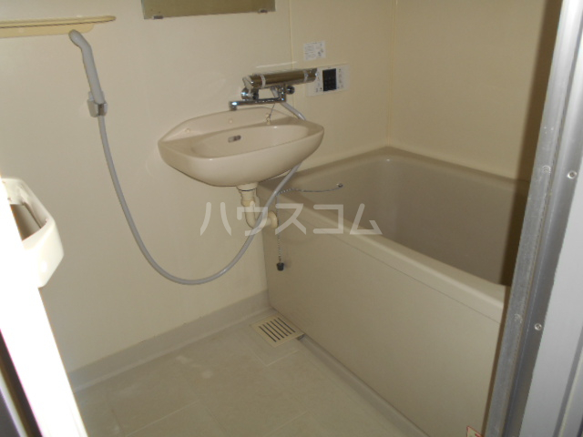 ルミネ伊藤 302号室の風呂