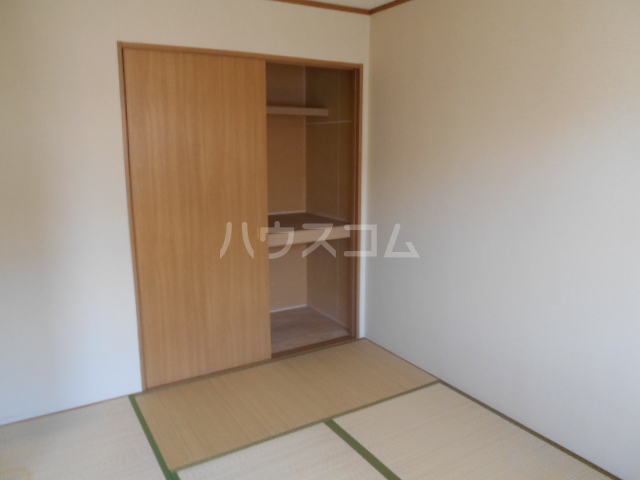 レジデンス恵 301号室の居室