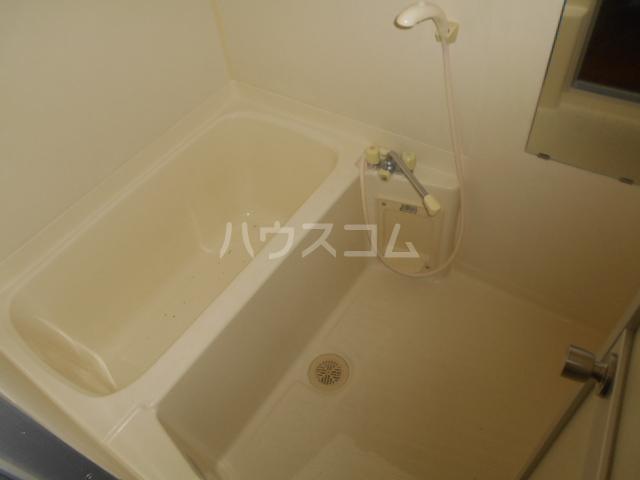 レジデンス・ラルジュ 101号室の風呂