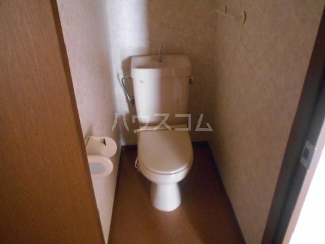 レジデンス・ラルジュ 101号室のトイレ