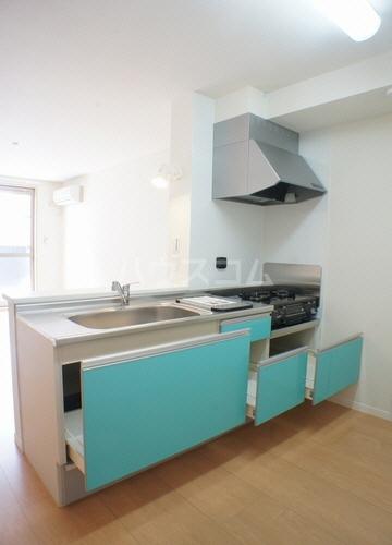 パインヴィラ 102号室のキッチン