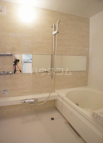 パインヴィラ 102号室の風呂