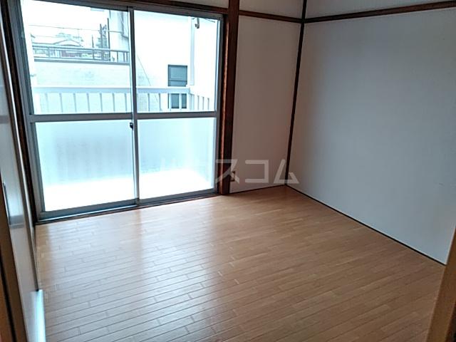 津久井ミネルバ館 201号室のリビング