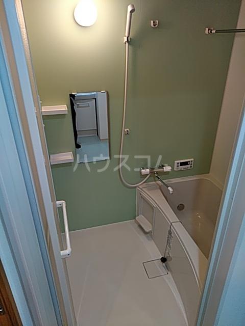 ソウジュ古曽部 101号室の風呂