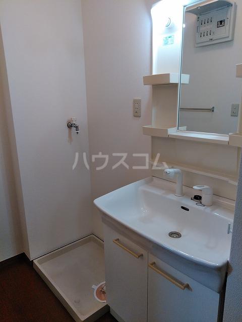 リジェール東山崎 A棟 202号室の洗面所