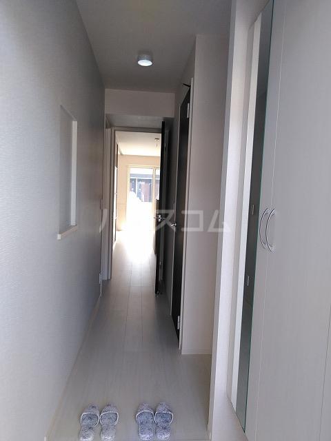 プランドール 106号室の玄関