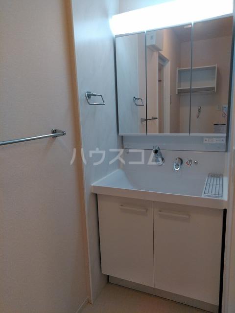 プランドール 106号室の洗面所