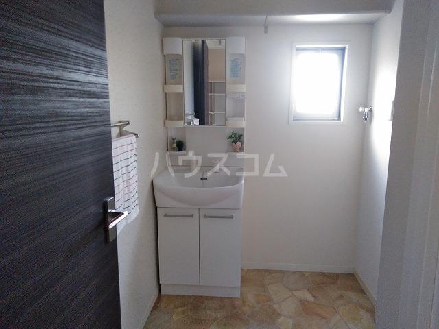 プランドール A棟 A202号室の洗面所