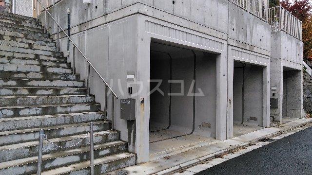 三室大古里緑地台住宅 F棟の駐車場