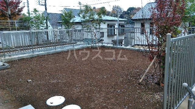 三室大古里緑地台住宅 F棟の庭