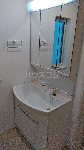 三室大古里緑地台住宅 F棟の洗面所