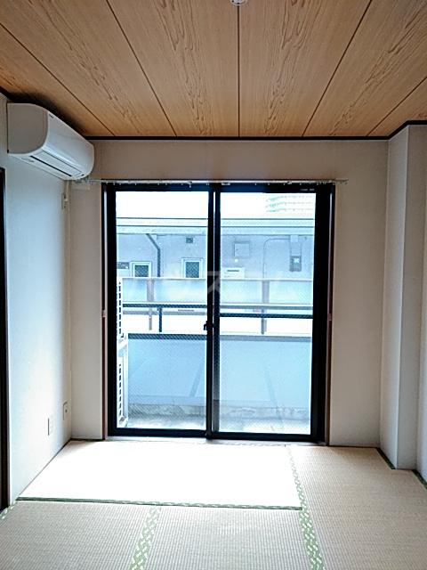 第2藤ハイツ 303号室の居室
