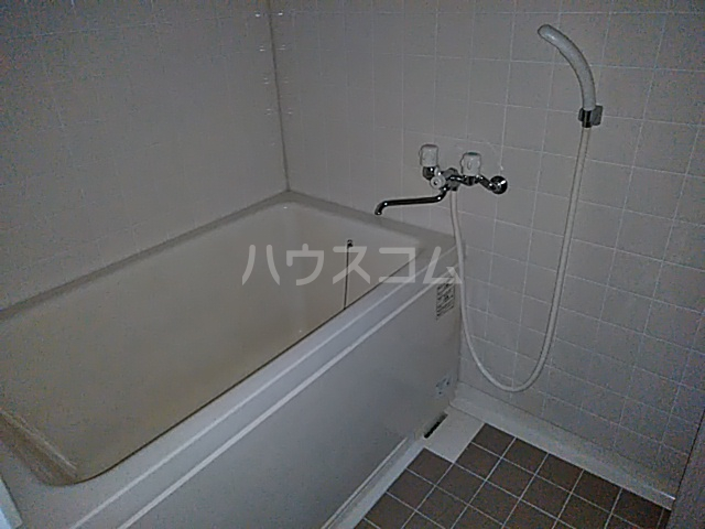 第2藤ハイツ 303号室の風呂