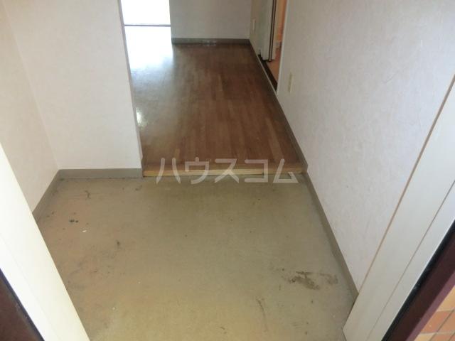 アミティー烏山 305号室の洗面所