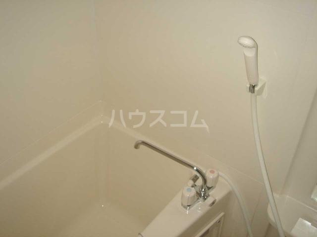 キャトルレーヴ 206号室の風呂